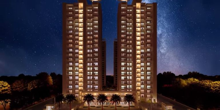 whitehouse-apartments-greater-noida-night-view